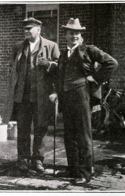 Two gentlemen - Posing