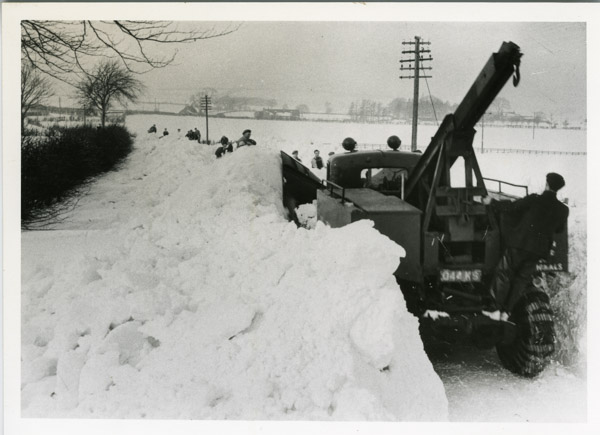 Bedford - Recovery vehicle in snow