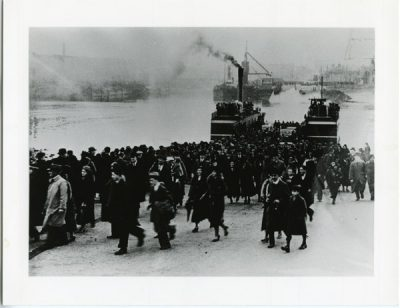 Renfrew Ferry Queen Mary launching day
