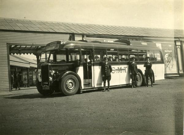 Single decker Leyland Tiger